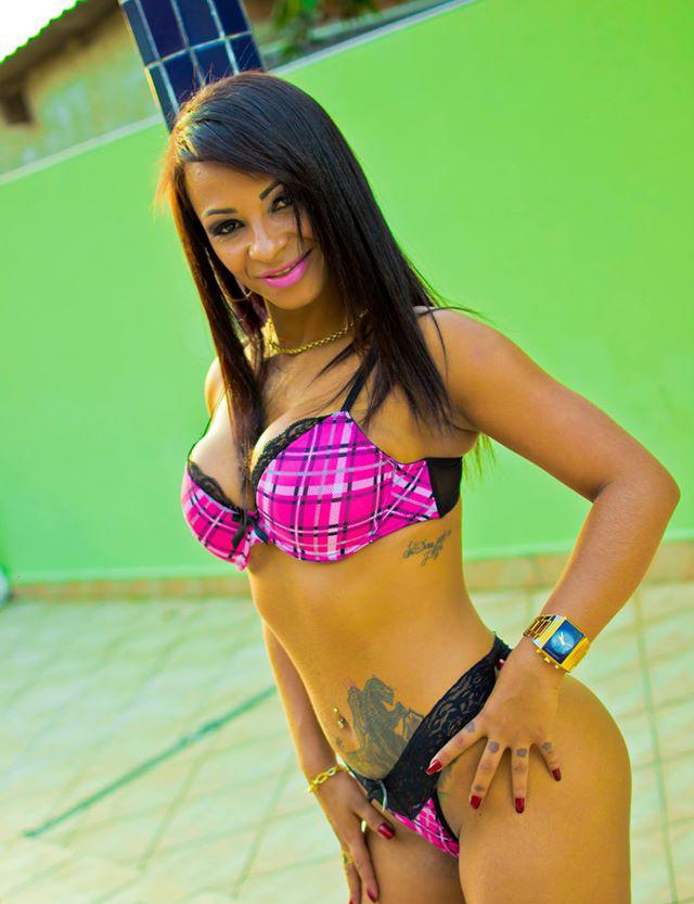 Смотреть Соблазнительные бразильянки онлайн