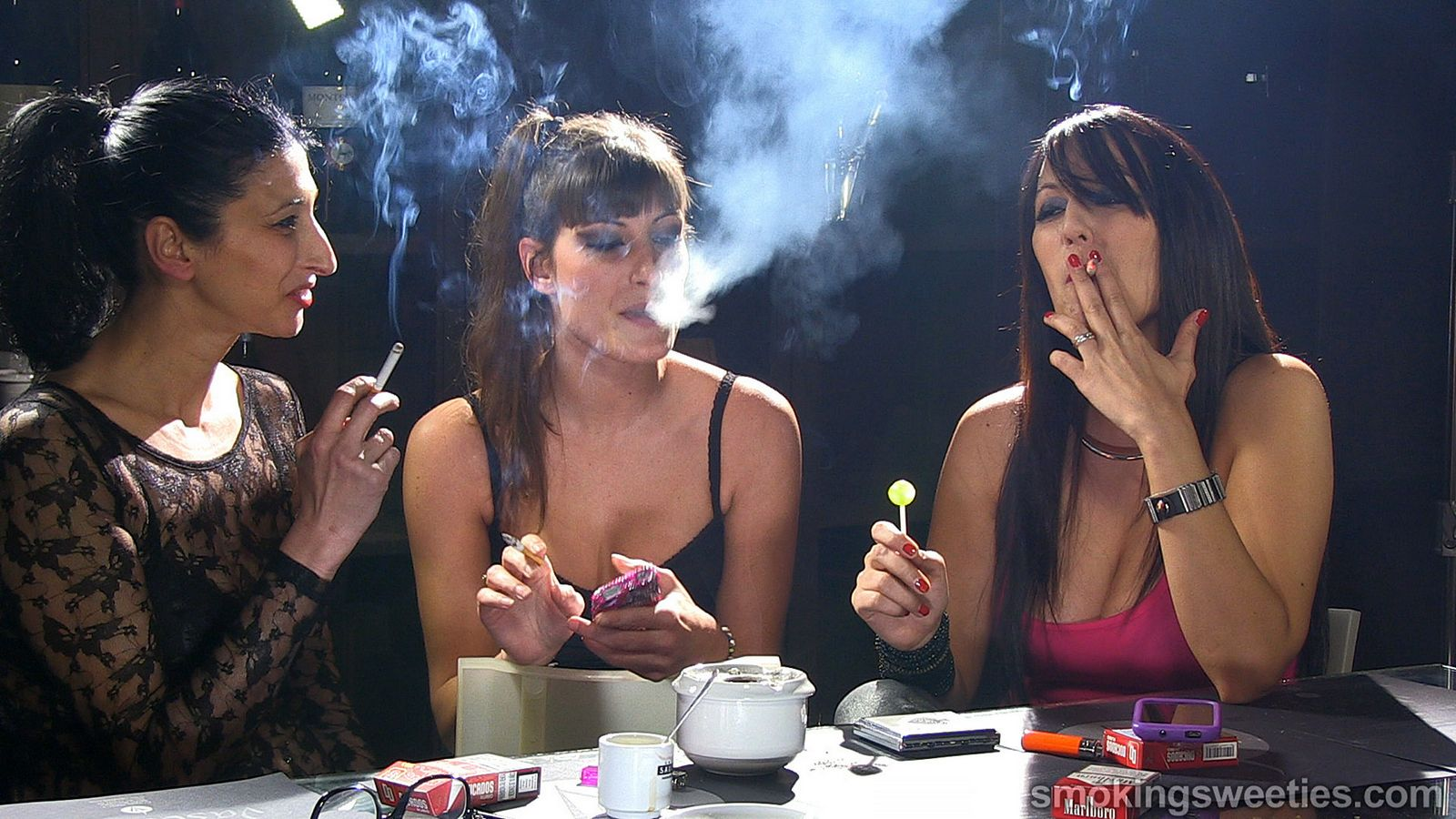 Смотреть курить онлайн