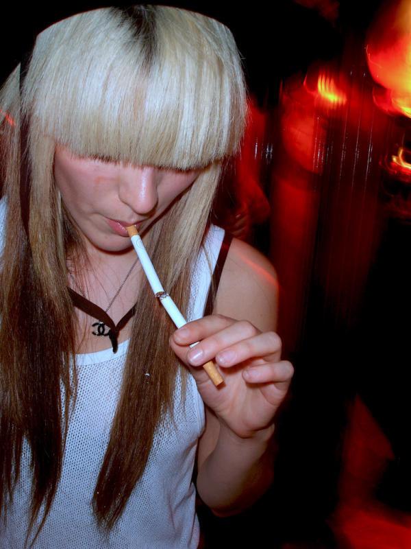 Смотреть Курящие чики онлайн