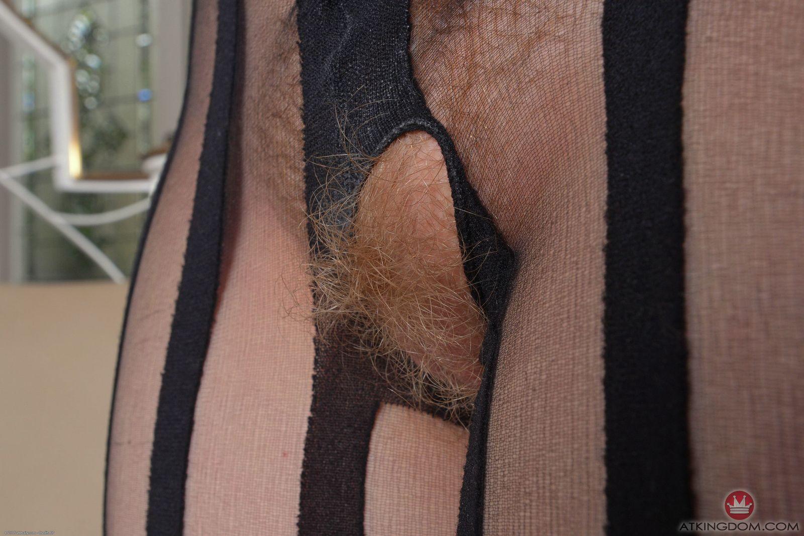 Смотреть рыжую вагину онлайн