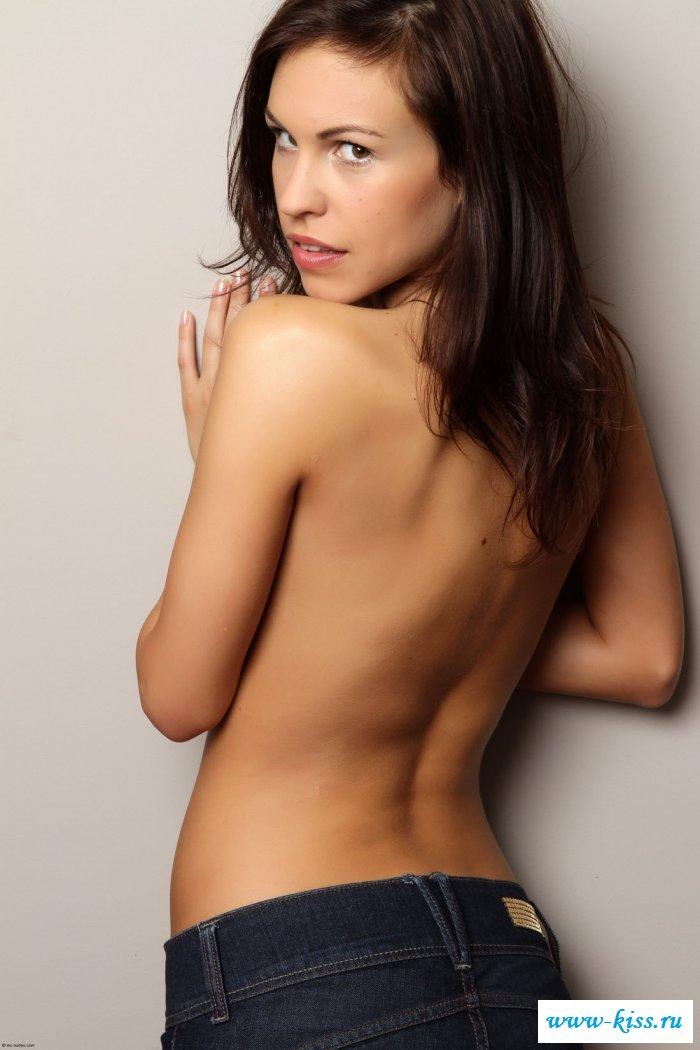 Смотреть грудь онлайн